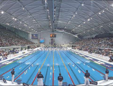 this photo comes from the 2000 australian olympic trials notice the larger spectator area on the left photo courtesy swimming australia