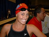 Amanda Beard flashes a big smile after winning the 200m IM at the 2003 US Spring Nationals