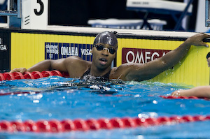 Cullen Jones prevails in the second semi-final of the 50 meter freestyle.
