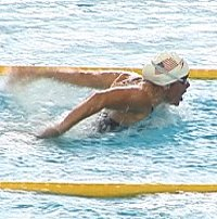 Laureen Welting swimming a strong race for 4th in 35-39