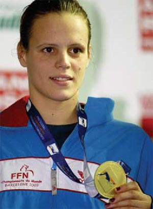 Laure Manaudou wins European Swimmer of the Year honors from Swimming World Magazine.