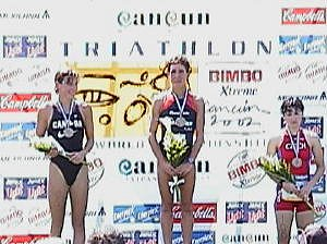 The top 3 finishers in the 2002 ITU World Aquathon Elite Race - Women