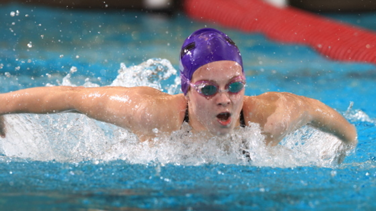 Northwestern Swimming And Diving Takes Down Illinois Chicago Oakland