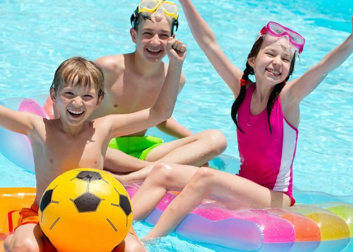 25 reasons why we 39 re all the 8 year old summer league swimmer for Pool guy show