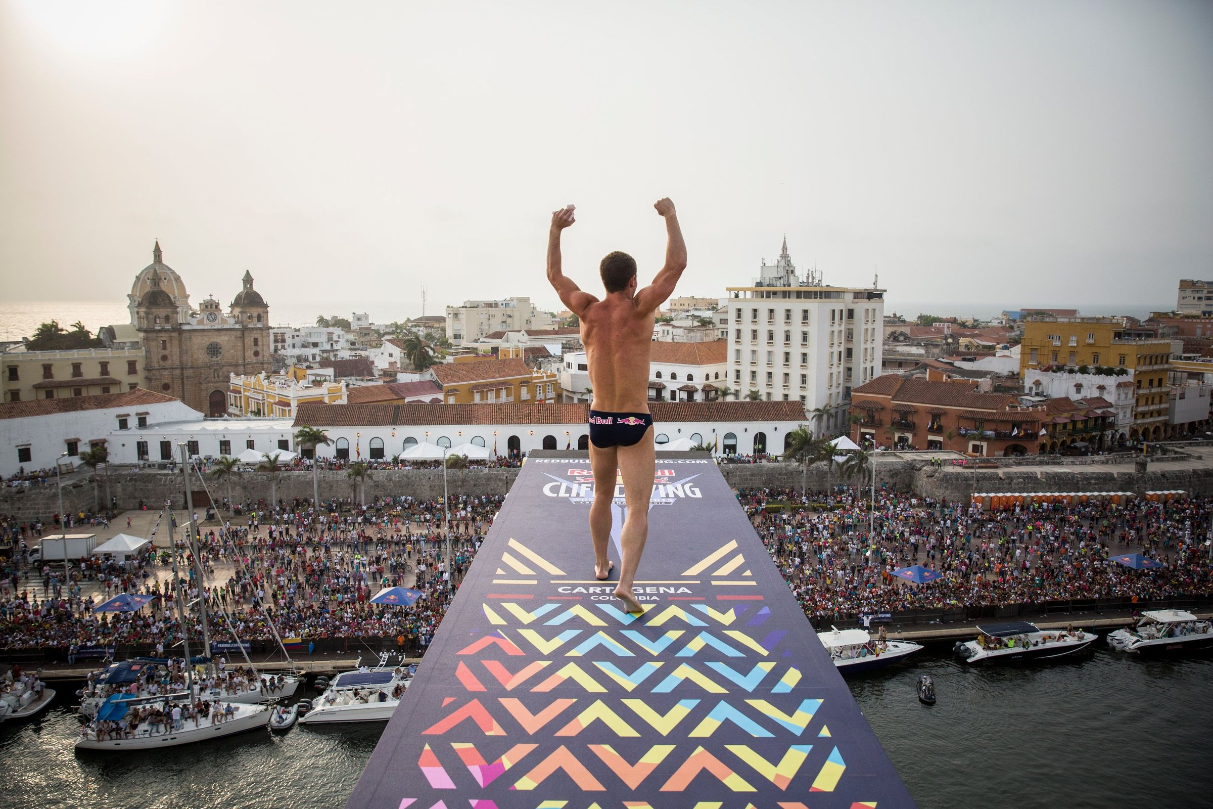 Orlando duque rachelle simpson win at fina high diving world cup - Red bull high dive ...
