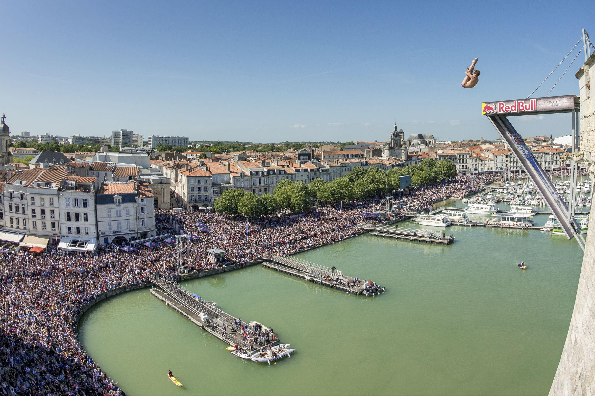 English double with record crowd in red bull cliff diving - Red bull high dive ...