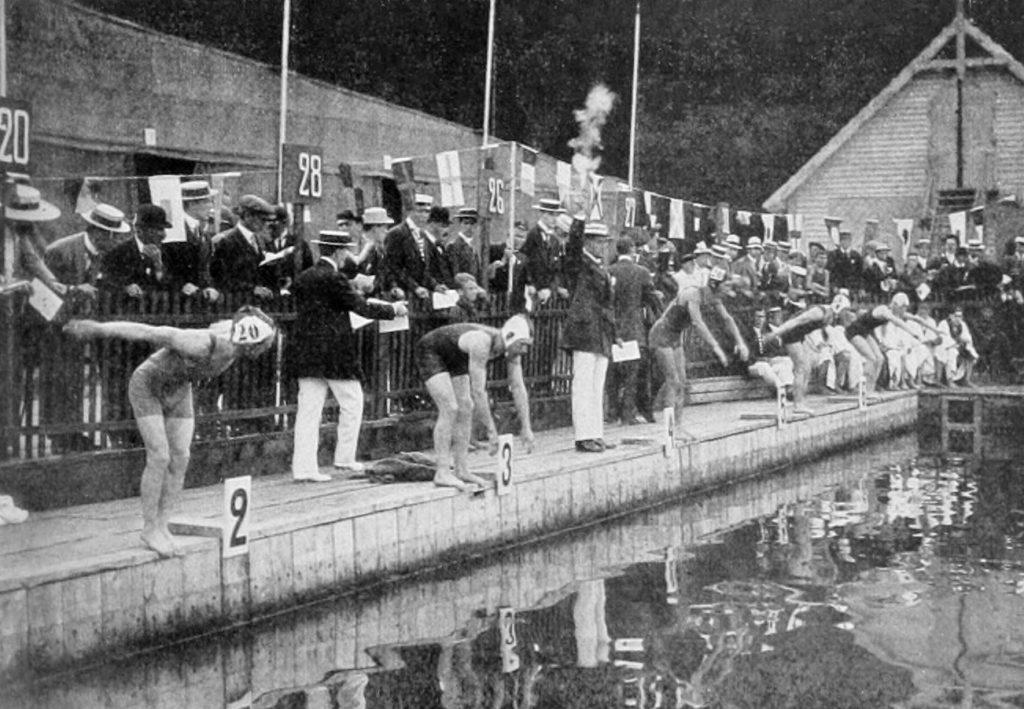 1912_Swimming_women's_4x100_metre_freestyle