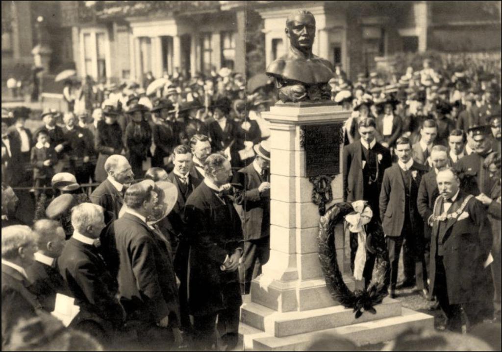 captain-webb-memorial-1910